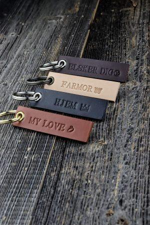 nøglering, nøglering i læder, nøglering med navn, billig nøglering, billig nøglering med navn, personlig nøglering, julegave, personlig nøglering, navnemærke,