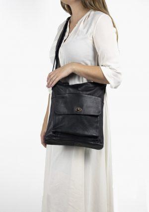 1656 urban, 1656 urban re:designed, Re:designed taske, lædertaske, læder taske, skuldertaske, crossbody taske, hverdagstaske, taske til hverdag, dametaske, sort taske