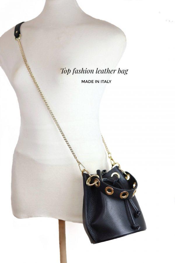 posetaske, posetaske i læder, lædertaske, rund lædertaske, taske med snørelukning,